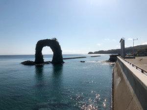奥尻島のシンボル 鍋釣岩